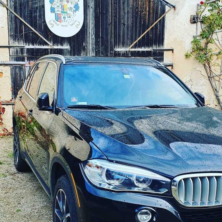 BMW X5 wynajem aut do ślubu