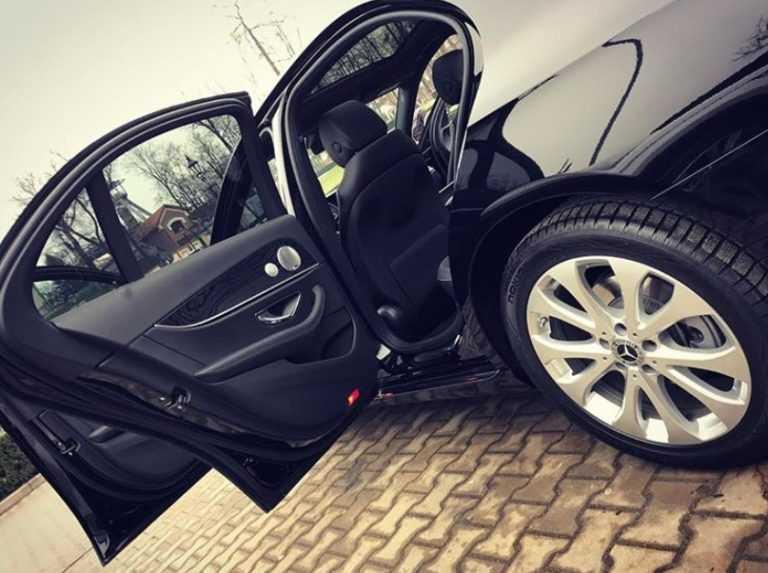 Mercedes e klasa wynajem czarna skóra