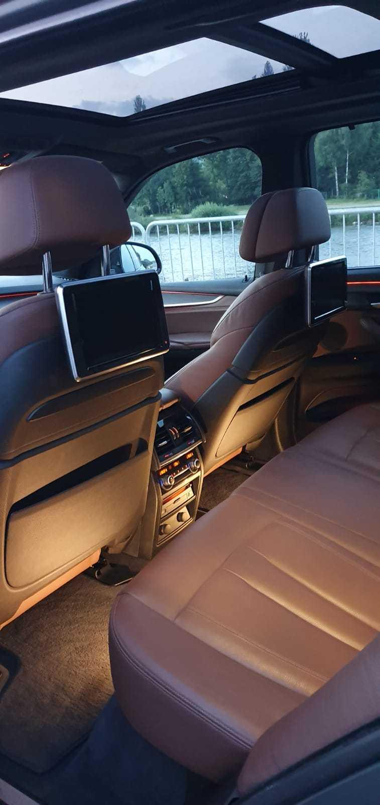 wynajem samochodów do ślubu BMW X5 wnetrze