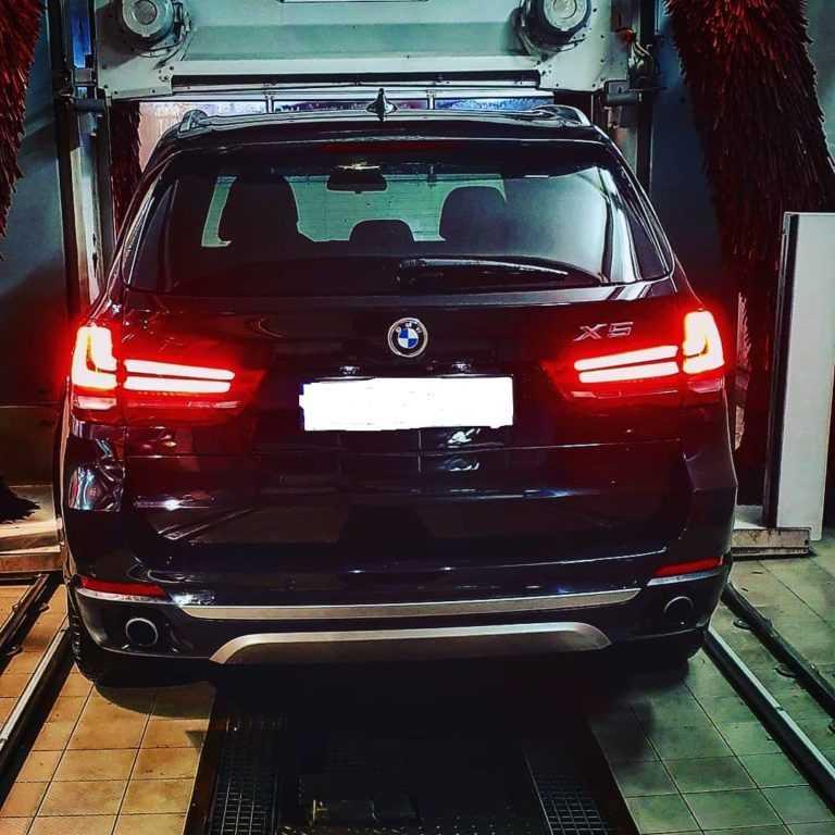 BMW X5 tył